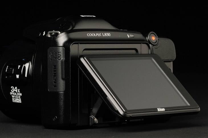 Nikon L830 rear
