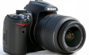 Nikon vs. Samsung Galaxy S4 Zoom while UK DSLR's strong