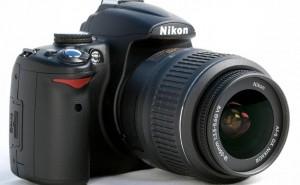 Nikon vs. Samsung Galaxy S4 Zoom while UK DSLR's strong