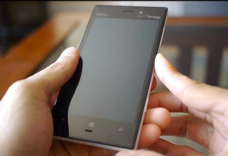 Nokia Lumia 928 review over a triad of videos