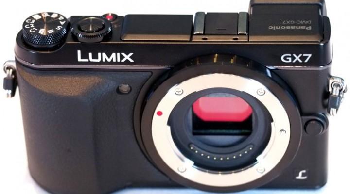 Panasonic Lumix GX7 vs GX1 while side-by-side