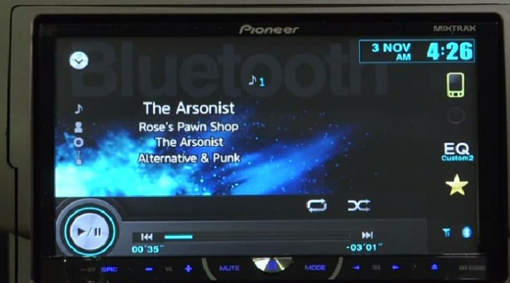 Pioneer AVH-X4500BT review of iPhone, Android features