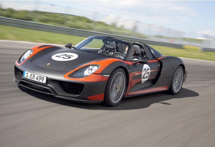 Porsche 918 Spyder production exterior and interior eye candy