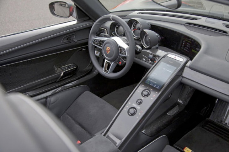 Porsche 918 Spyder production model interior