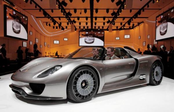 Porsche 960 could pay the price taking on Ferrari F150