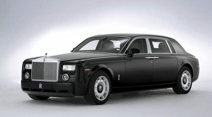 Rolls Royce Phantom price in India vs. Ghost Series 2