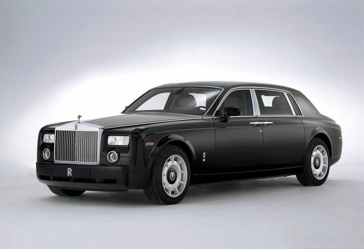 Rolls Royce Phantom price in India vs. Ghost Series 2