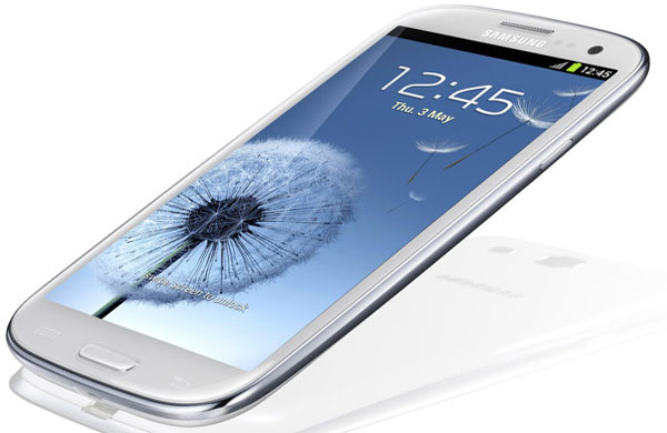 iPhone 5 collides with Samsung Galaxy S3 Jelly Bean