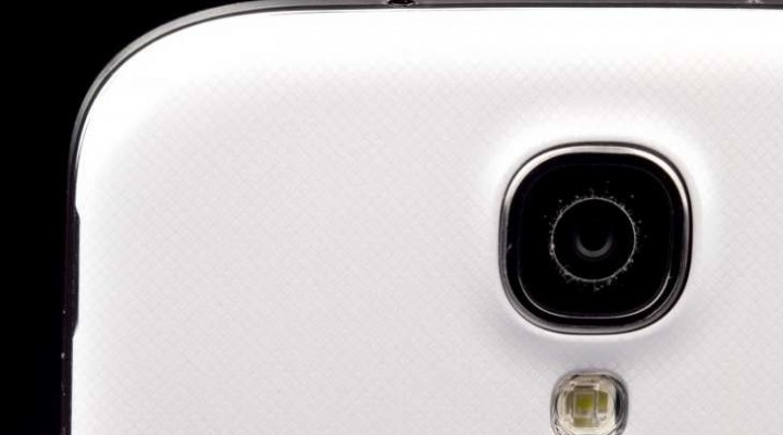 Samsung Galaxy S4 Zoom is misleading and repetitive