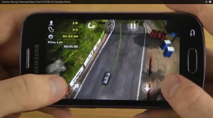 Samsung Galaxy Trend GT-S7560 playing Reckless Racing 2