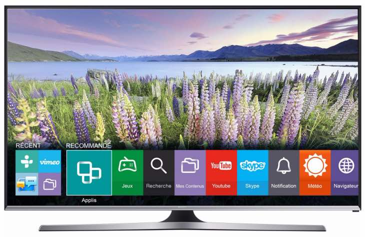 Samsung ue32j5500 32 inch smart tv review brilliance for Samsung smart tv living room