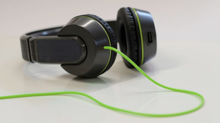 Solar-Powered Headphones double as phone charger