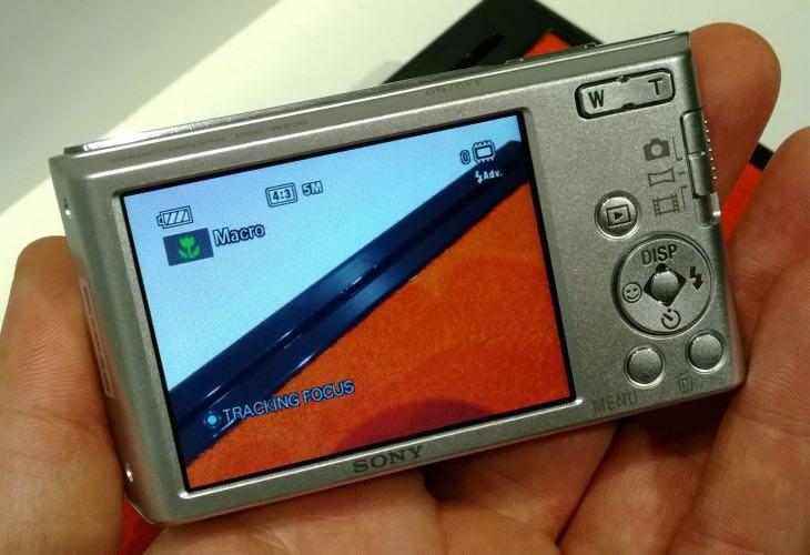 Sony DSC-W830 display