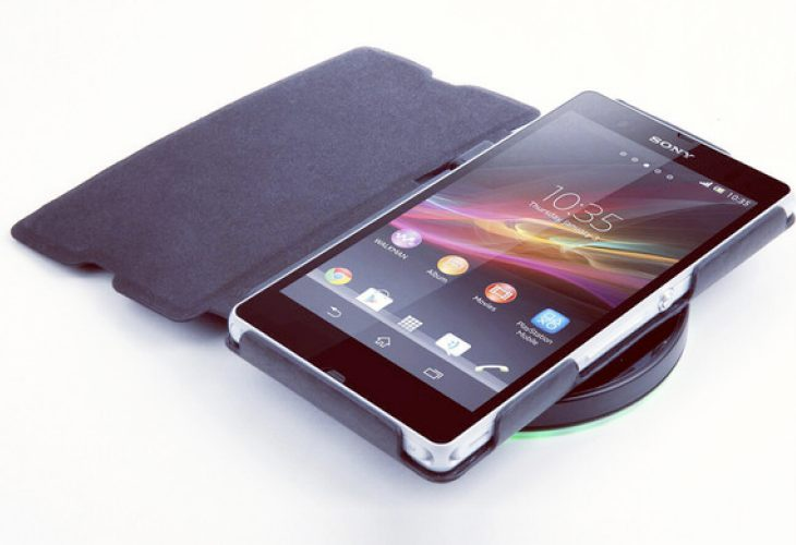 Sony Xperia Z vs. Nexus 4 wireless charging solutions