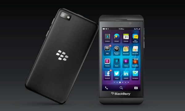 Stephen Fry's BlackBerry Z10 preference over Nexus 4, Galaxy S3
