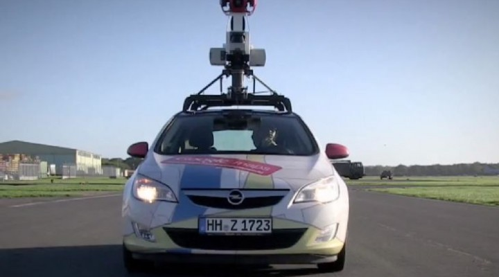 Google Street View Car maps Top Gear track in race
