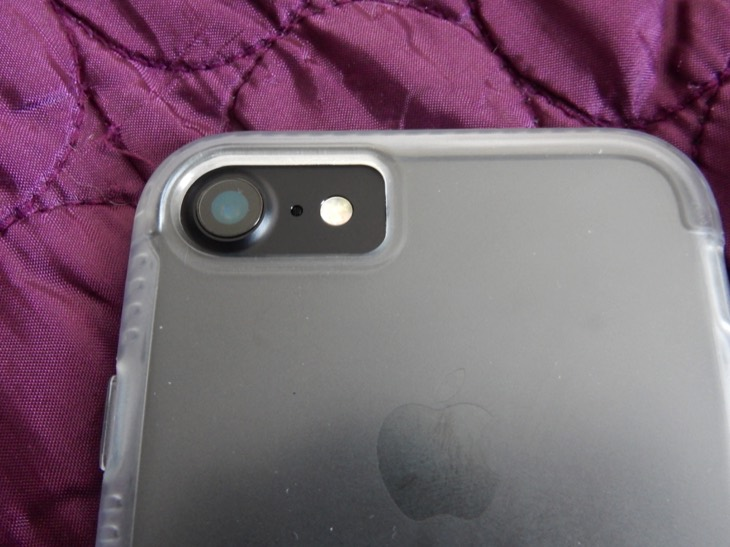 tech21-iphone-7-impact-clear-case-review-9