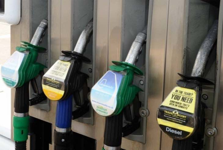 Tesco UK petrol prices to fall below £1