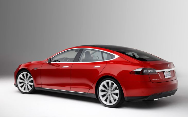 Tesla's electric car is gaining plenty of positive attention 2