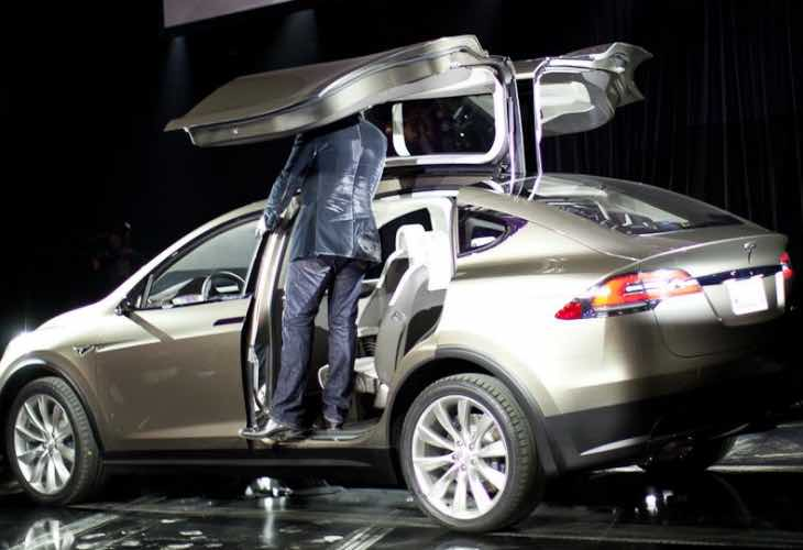 Tesla Model X SUV video leads to price, release debate