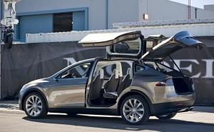 Tesla Model X price range similar to S