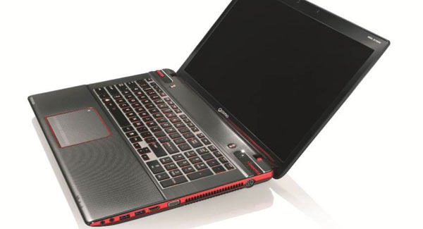 Toshiba entices laptop gamers with 3D Qosmio X870