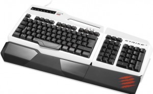 Unboxing Mad Catz S.T.R.I.K.E.3 gaming keyboard