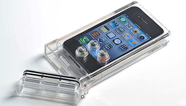 Waterproof iPhone case for no water damage when diving