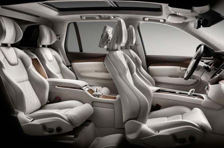 Volvo XC90 T8 interior