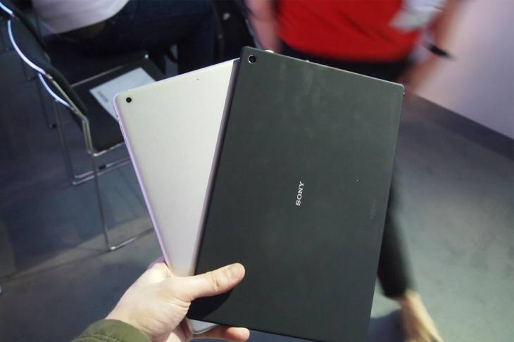 Xperia Z2 tablet vs. iPad Air