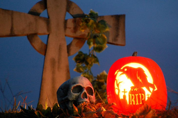 Zombie-pumpkin-carving-stencils