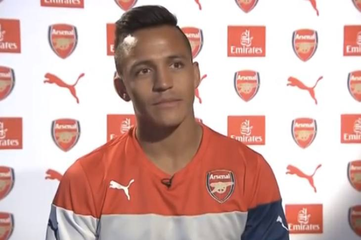 alexis-sanchez-arsenal-shirt
