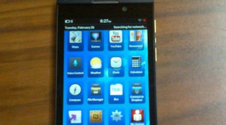 Verizon BlackBerry Z10 has lots of branding