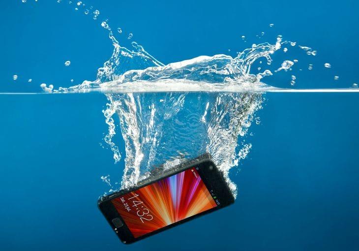 iPad Air vs. Mini and Nexus 7 for water damage