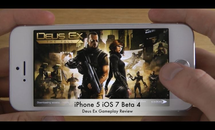 iPhone 5 with iOS 7 beta 4 while playing a FPS