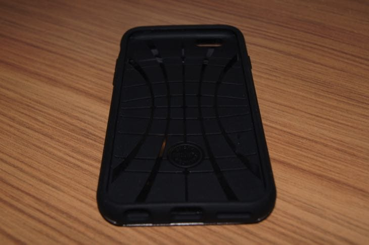 iPhone-66s-Spigen-Slim-Armor-CS-case-review