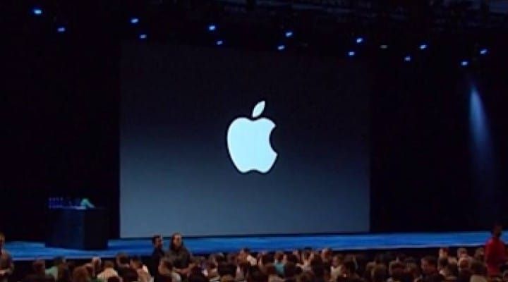 iOS 7 on iPad previewed with screenshots