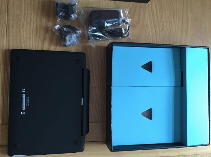 iota-one-windows-10-tablet-unboxing
