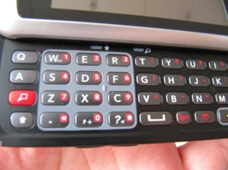 lg-gw520-qwerty-and-touch-handset-12