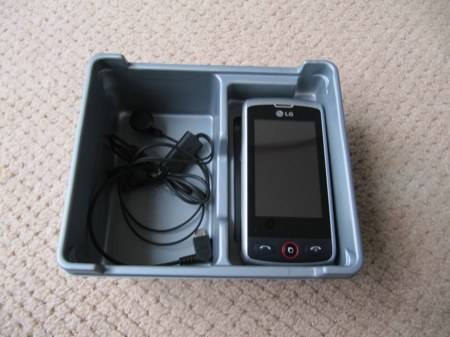 lg-gw520-qwerty-and-touch-handset-2