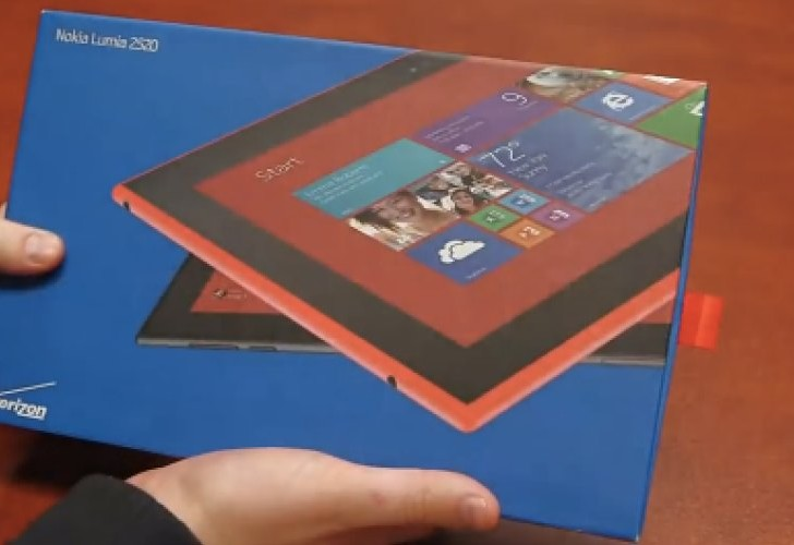 Nokia Lumia 2520 beauty shown on video