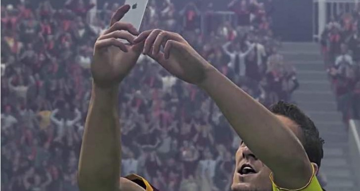 PES 2016 celebrations with Apple licensed Totti selfie