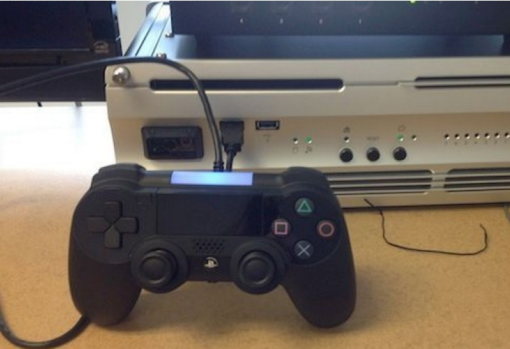 First Sony PS4 visual shows prototype controller