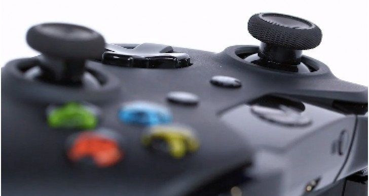 Xbox One Vs PS4 controllers for shooters