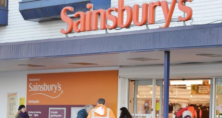 Argos Christmas jobs push, Sainsbury's tripling in-store outlets