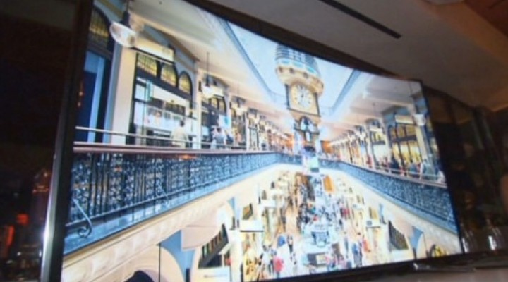 Samsung bendable TV demo at CES 2014