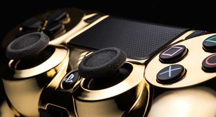 sony-PS4-DualShock-4-24k-gold-close-up
