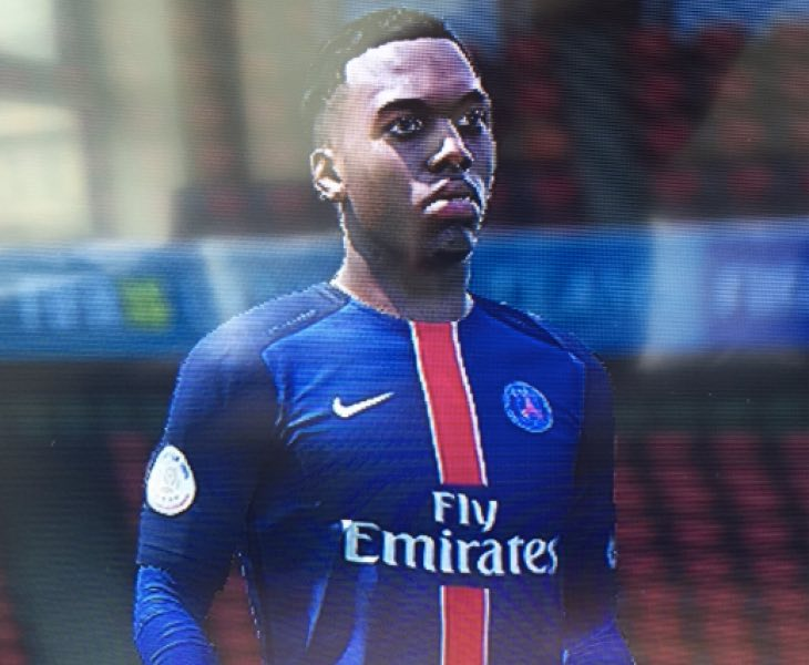 sturridge-in-psg-shirt