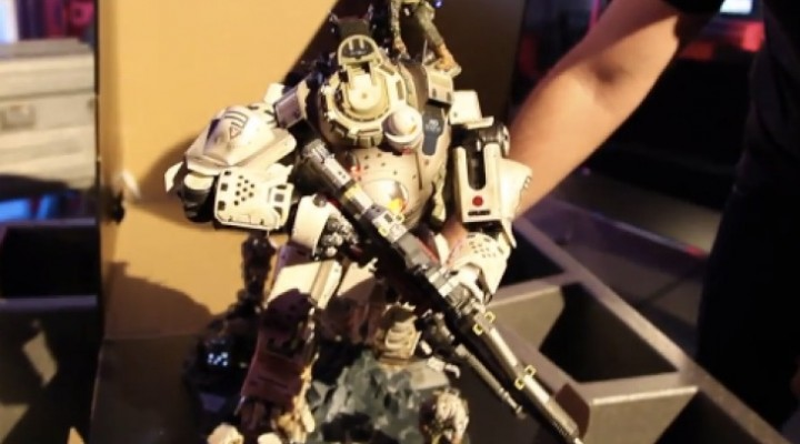 Titanfall Collector's Edition Atlus Titan exposed