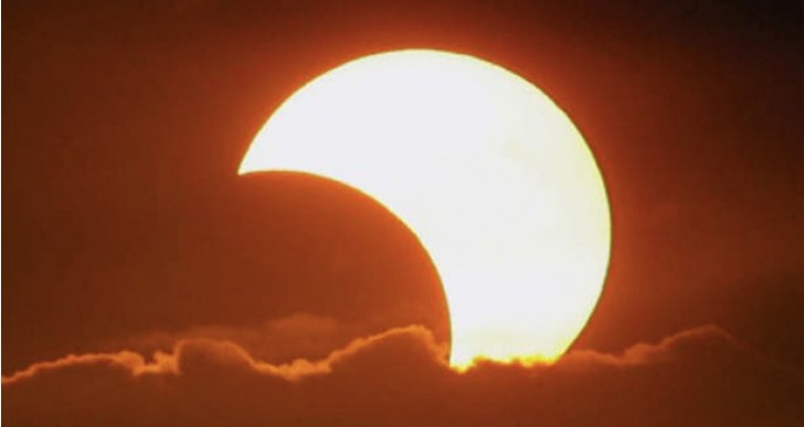How to watch Eclipse online on iPhone